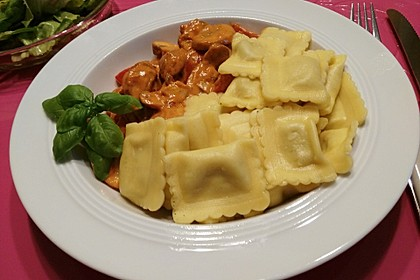 Ravioli an Paprika und Pilzen 1