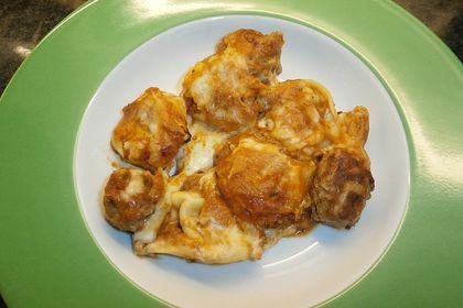 Tortellini mit Fleischbällchen in Tomaten-Sahne-Sauce mit Mozzarella