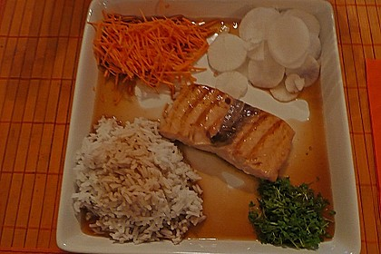 Japanischer gegrillter Lachs mit Teriyaki - Soße 25