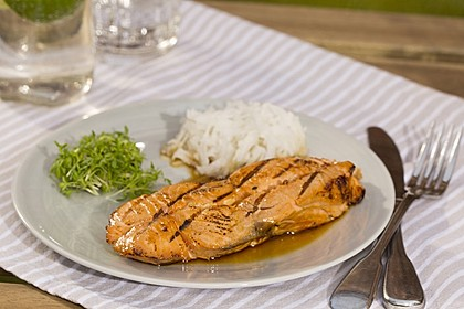 Japanischer gegrillter Lachs mit Teriyaki - Soße 11