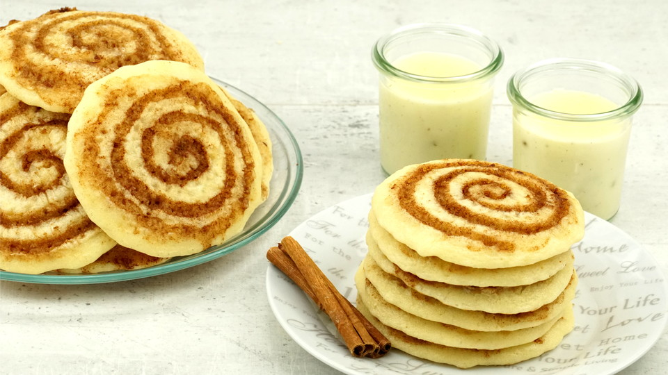 cinnamon roll pancakes rezept mit bild von evas backparty. Black Bedroom Furniture Sets. Home Design Ideas