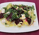 Zuckerhutsalat mit Roter Bete und Feta