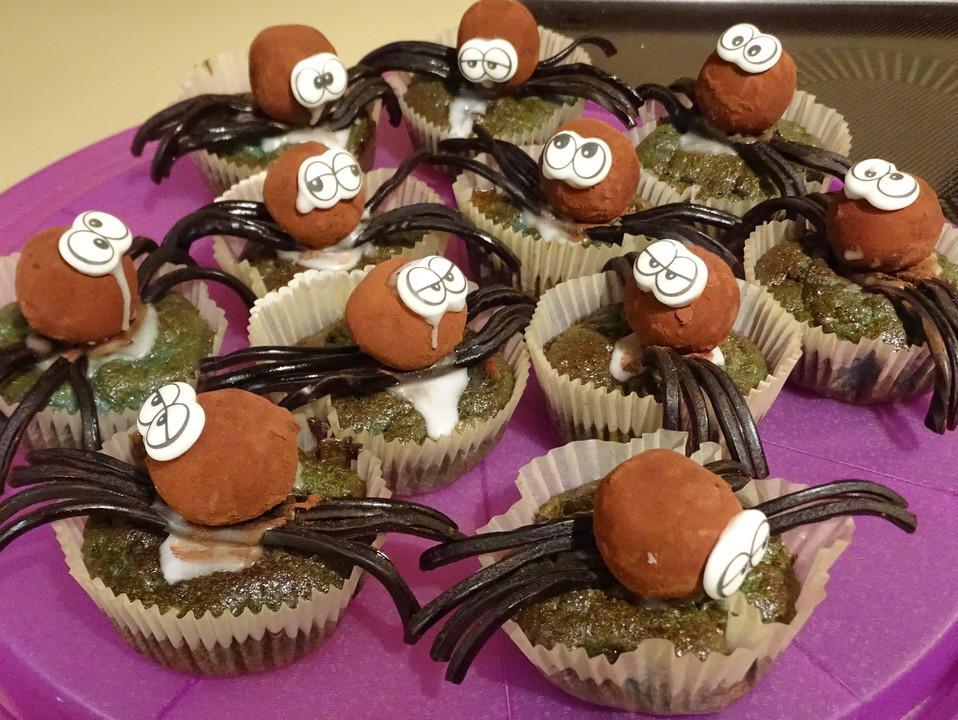 gruselige halloween muffins rezept mit bild von quarzdenker. Black Bedroom Furniture Sets. Home Design Ideas