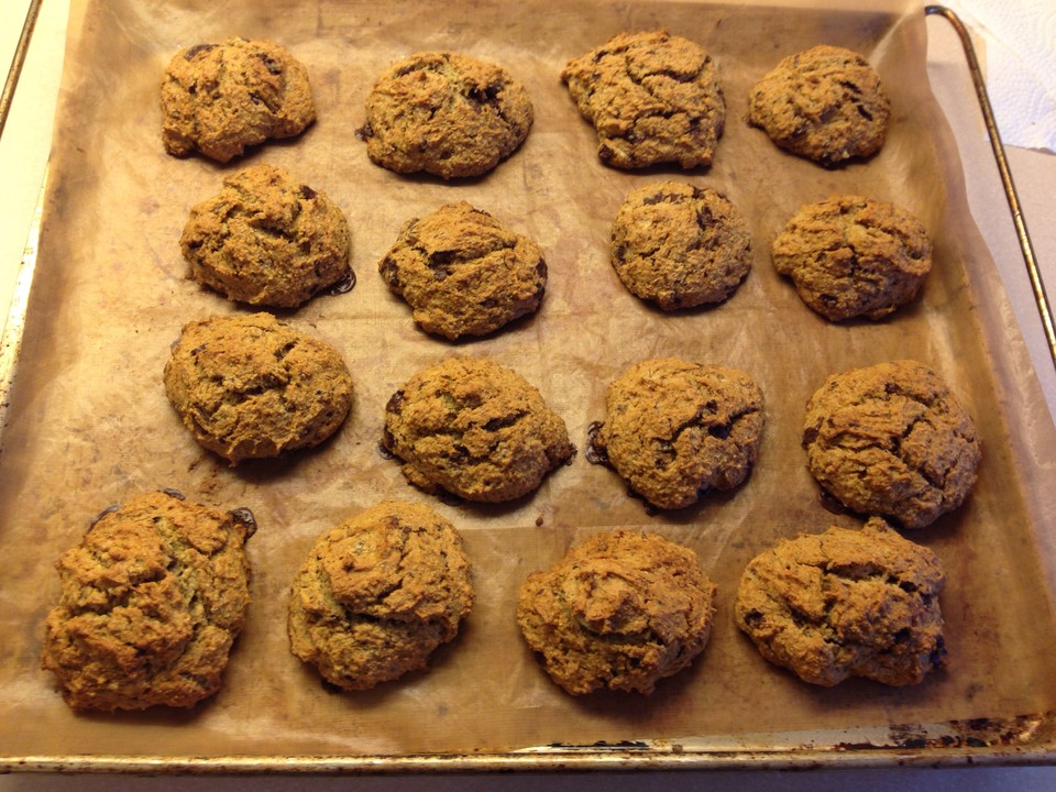 vegane cookies mit kokosmehl und wei er reismilchschokolade von vegan lady. Black Bedroom Furniture Sets. Home Design Ideas