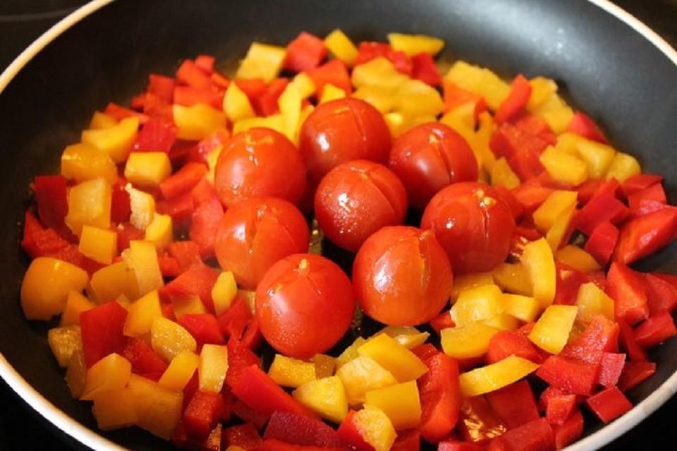 tomaten paprika gem se rezept mit bild von ulkig. Black Bedroom Furniture Sets. Home Design Ideas