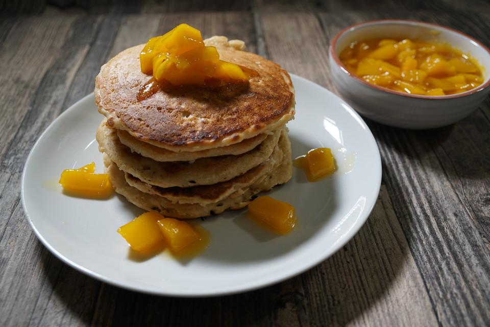 kokos pancakes rezept mit bild von natuerlichlecker. Black Bedroom Furniture Sets. Home Design Ideas