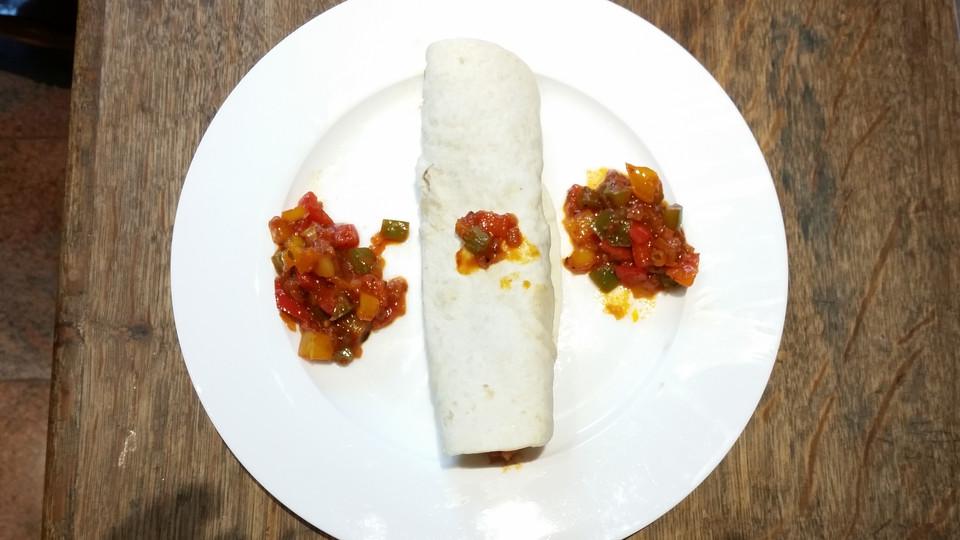schnell fingerfood rezepte mit vegetarische tortillas. Black Bedroom Furniture Sets. Home Design Ideas