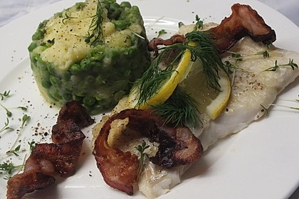 Seelachsfilet mit Speck und Kartoffel-Erbsen-Püree 1
