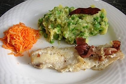 Seelachsfilet mit Speck und Kartoffel-Erbsen-Püree 4