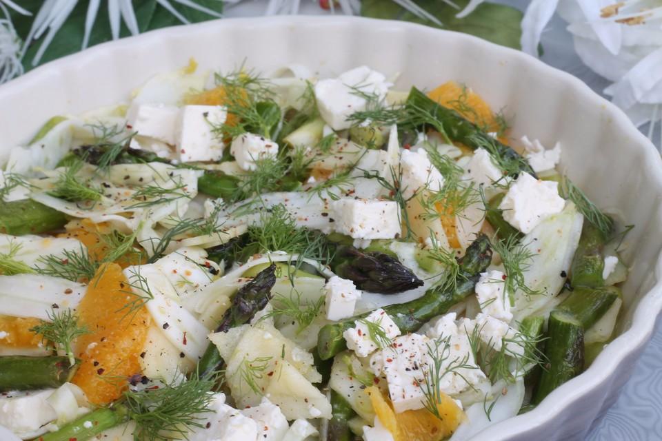 salat mit gr nem spargel fenchel und orange rezept mit bild. Black Bedroom Furniture Sets. Home Design Ideas