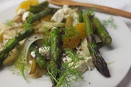 Salat mit grünem Spargel, Fenchel und Orange
