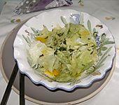 Eisbergsalat mit Senfdressing