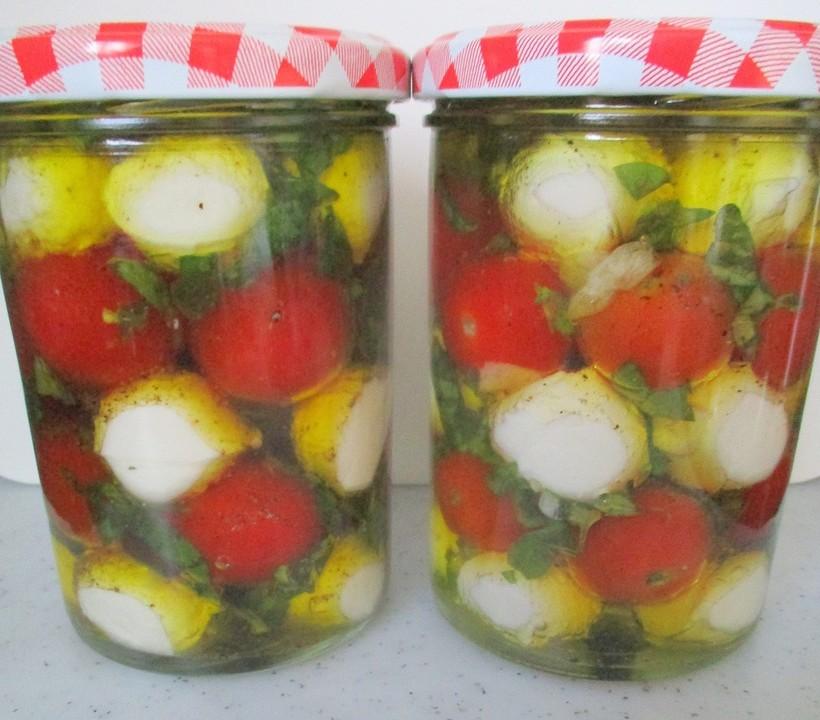 Caprese im Olivenöl - Geschenk aus der Küche von movostu | Chefkoch.de