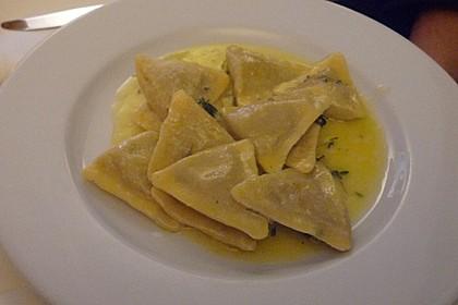 Triangoli mit Feigen und Parmaschinken