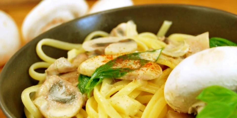 vegetarische champignon pasta rezept mit bild von multikochde. Black Bedroom Furniture Sets. Home Design Ideas