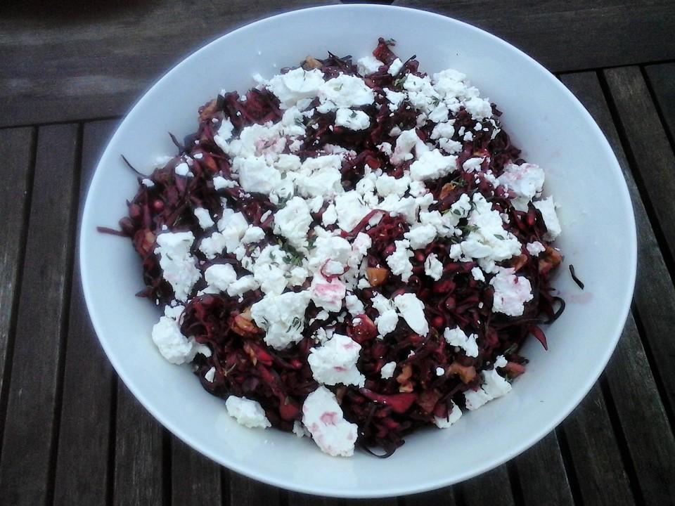 rotkohl rote bete salat mit feta feigen waln ssen und granatapfel rezept mit bild. Black Bedroom Furniture Sets. Home Design Ideas