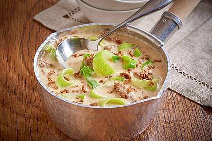 Lauch-Käse Suppe mit Hackfleisch