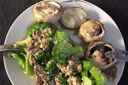 Gefüllte Champignons mit Brokkoli