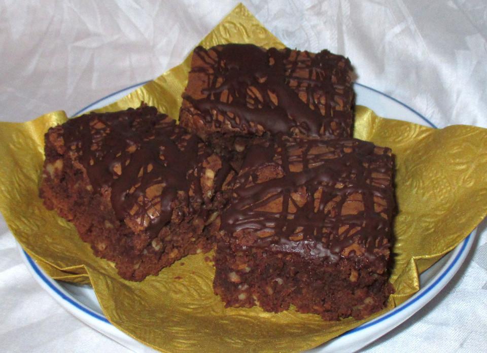 brownies mit nuss rezept mit bild von shielded. Black Bedroom Furniture Sets. Home Design Ideas