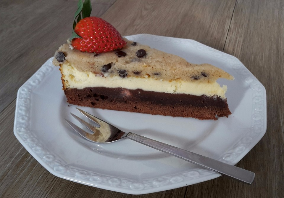 cream cheese brownie kuchen mit cookie dough topping rezept mit bild. Black Bedroom Furniture Sets. Home Design Ideas