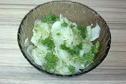 Gurkensalat mit Essig und Öl 75