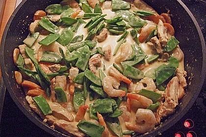 Hühnerbrust und Garnelen in feuriger Kokosmilch 1