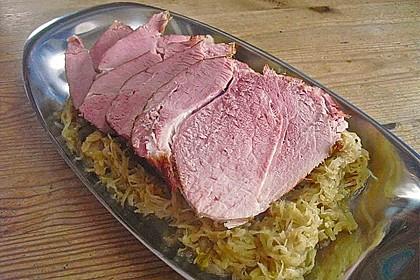 Pökelbraten mit Sauerkraut und Thüringer Klößen 3