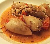 Mit Reis gefüllte Tintenfischtuben