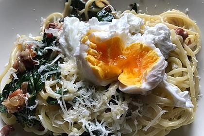 Spaghetti-Spinat-Carbonara mit pochiertem Ei 5
