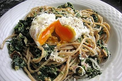 Spaghetti-Spinat-Carbonara mit pochiertem Ei 3