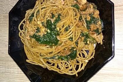 Spaghetti-Spinat-Carbonara mit pochiertem Ei 9