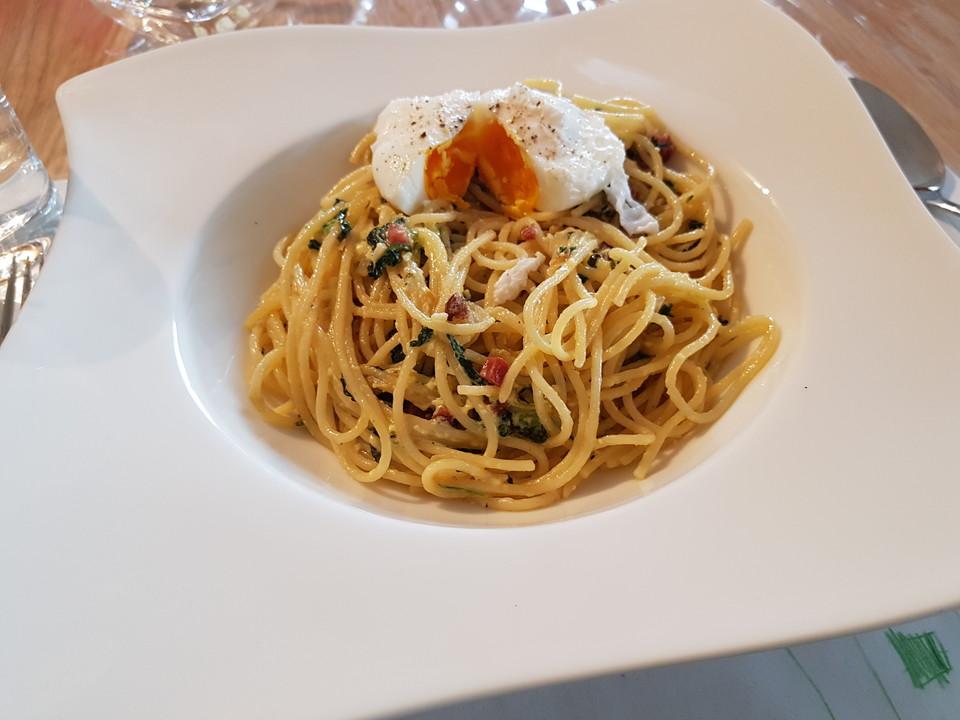 spaghetti spinat carbonara mit pochiertem ei von badegast1. Black Bedroom Furniture Sets. Home Design Ideas