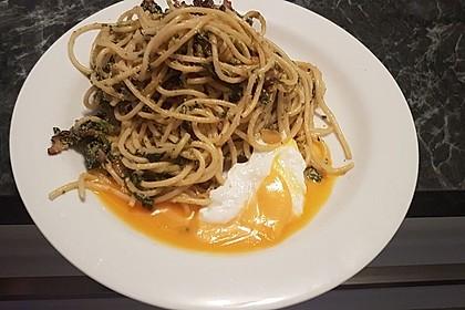 Spaghetti-Spinat-Carbonara mit pochiertem Ei 12
