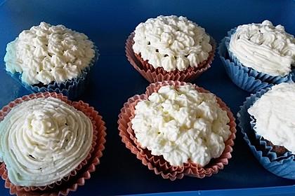 Schoko-Kokos Cupcakes mit Frischkäsetopping 2