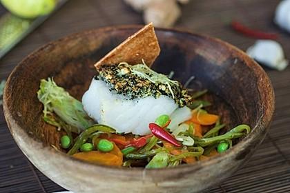 Kabeljau mit Norialgen-Butter und asiatischem Gemüse