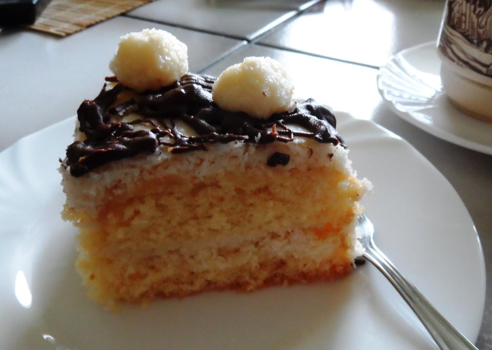 schneller kokos buttercreme kuchen von soja2010. Black Bedroom Furniture Sets. Home Design Ideas
