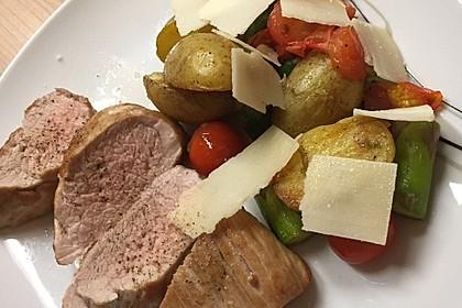 Schweinefilet mit grünem Spargel und Kartoffeln