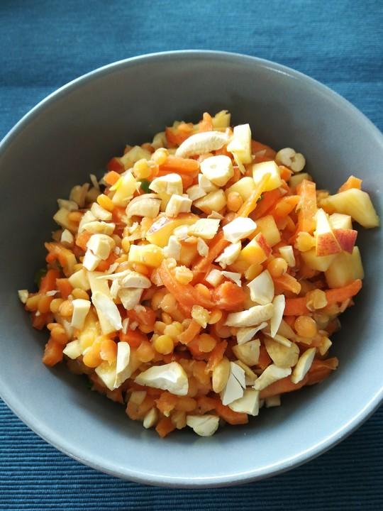 salat aus roten linsen m hren und pfeln mit orangen dressing von lunadepana. Black Bedroom Furniture Sets. Home Design Ideas