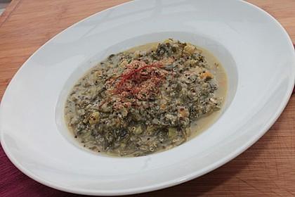 Mangold-Quinoa-Kokos-Risotto, getoppt mit Zitronenbröseln
