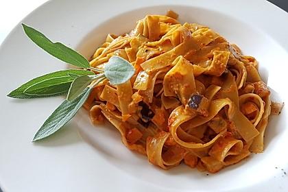 Nudeln mit Gemüse-Ajvar-Sauce