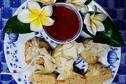 Gedämpfte Wan Tan gefüllt mit Hühnerfleisch und Krabben