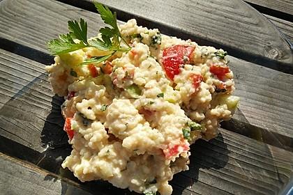 Couscous-Salat mit einer frischen Zitronen-Joghurt-Sauce 3