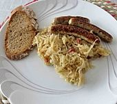 Nürnberger mit Sauerkraut