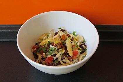 Spargelsalat mit Tomaten und Chicoree