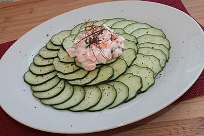 Gurken-Carpaccio mit Karottentatar