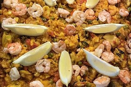 Paella mit Meeresfrüchten, Fisch und Geflügel nach Schnabulierer 2