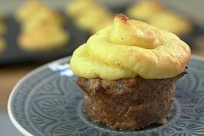 Hackfleisch-Muffins mit Kartoffelpüree-Haube