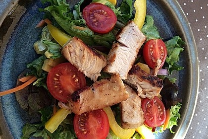 Honey-Mustard-Salat mit Hühnchen
