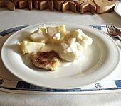 Mini-Putenschnitzel mit Salzkartoffeln und Bechamel-Blumenkohl