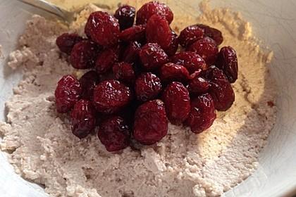 Nuss-Porridge mit Beeren